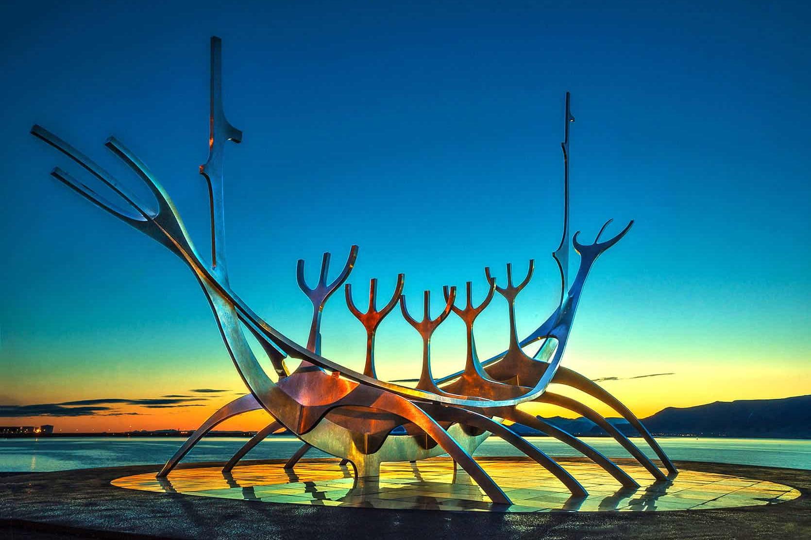 Скульптура Солнечный странник в Рейкьявике