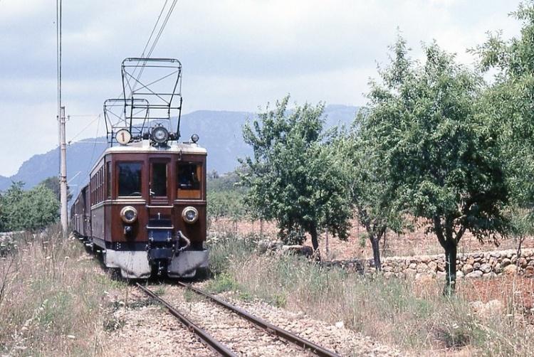 Поезд Сольер, фото. Пальма де Майорка