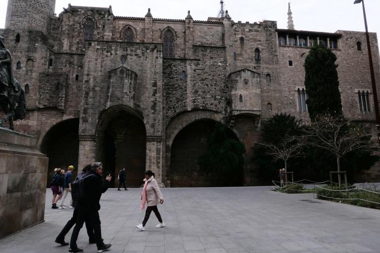 Готический квартал Барселоны, площади Пласа дель Рей