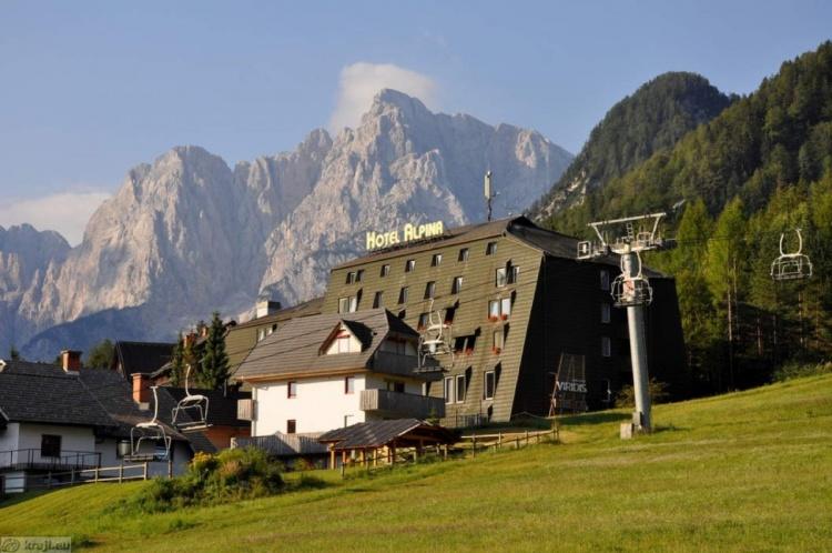 Отель на склоне горы в Краньска Гора, Alpina