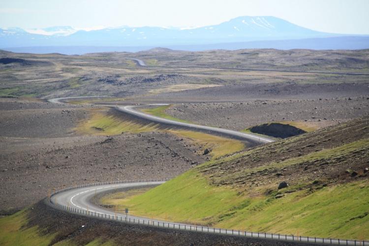 Почему нельзя съезжать на обочину в Исландии