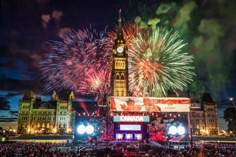 Салют на Новый Год в Канаде