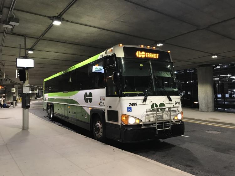 Автобусы Go Transit Торонто