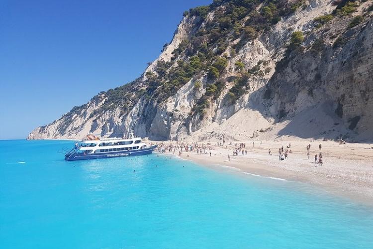 Пляж Эгремни, Греция
