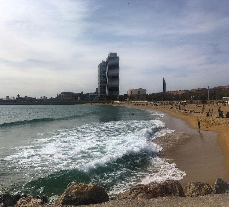 Пляж Nova Icaria, лучшие пляжи Барселоны