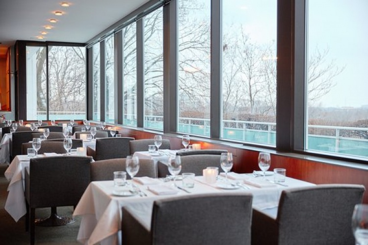 Scaramouche Restaurant в Торонто