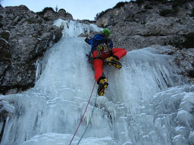 Краньска Гора, подем по замерзшему водопаду