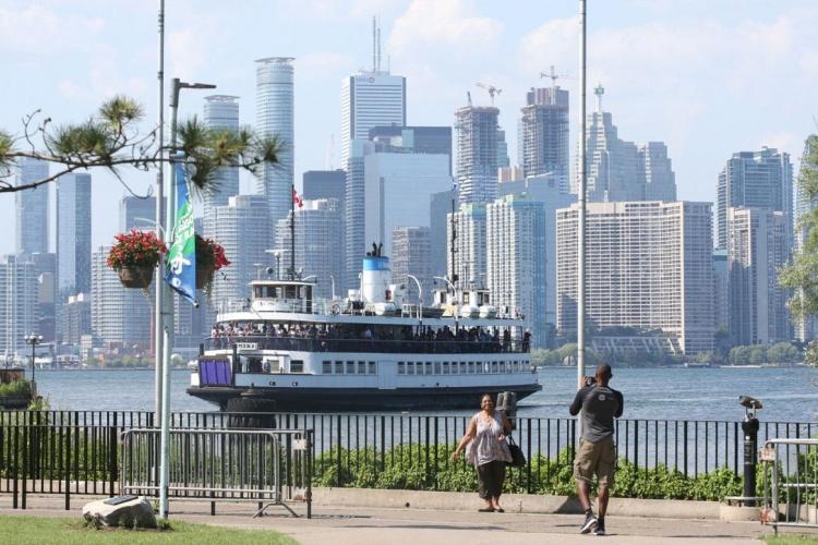 Паромы до Островного парка в Торонто