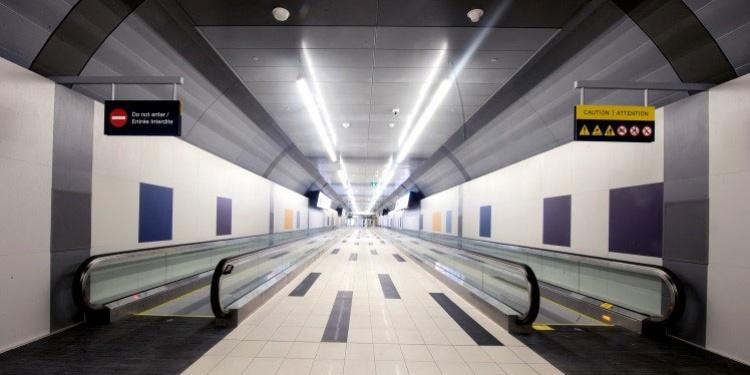 Туннель в аэропорт Бишоп в Торонто