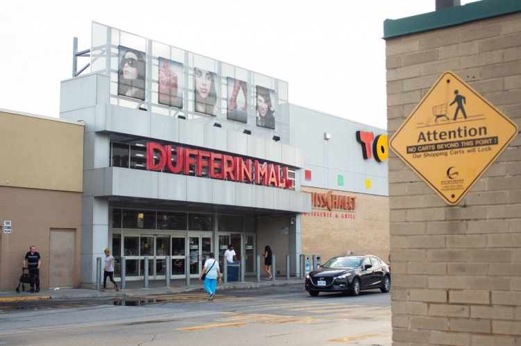 Dufferin Mall в Торонто