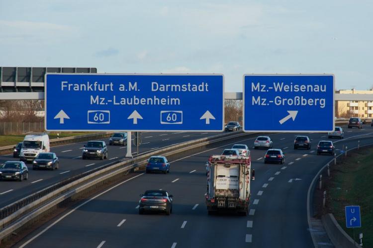 Знаки на дорогах в Германии