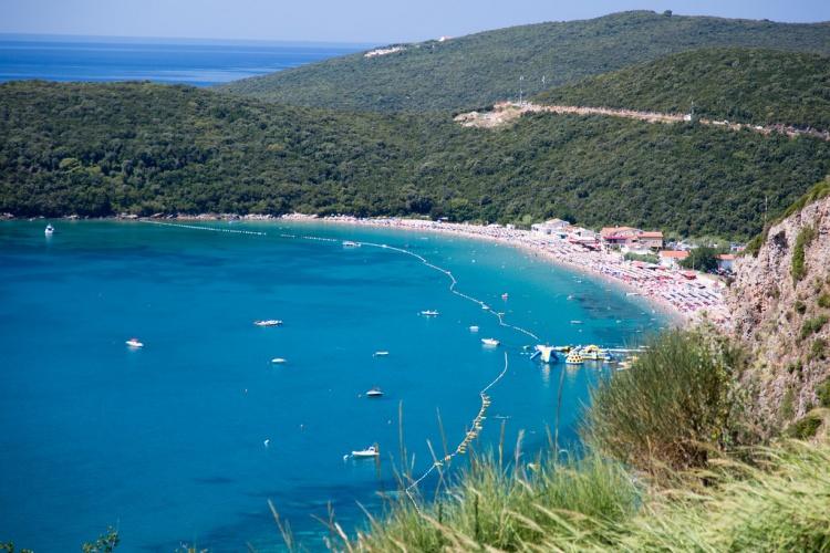 Лучшие пляжи Черногории, пляж Яз около Будвы