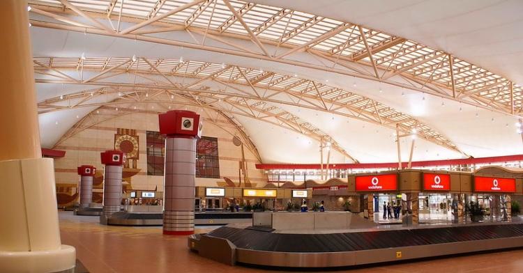 Аэропорт Шарма, получение багажа
