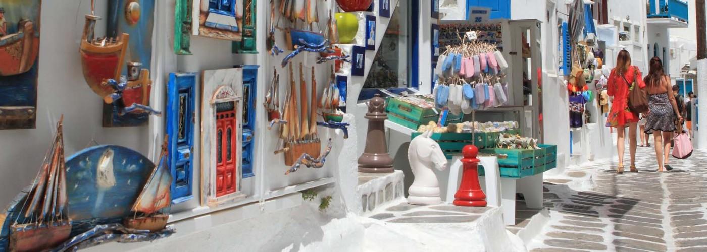 Шопинг в Греции: оставляем место в чемодане для вина, оливок и сыра «Фета»