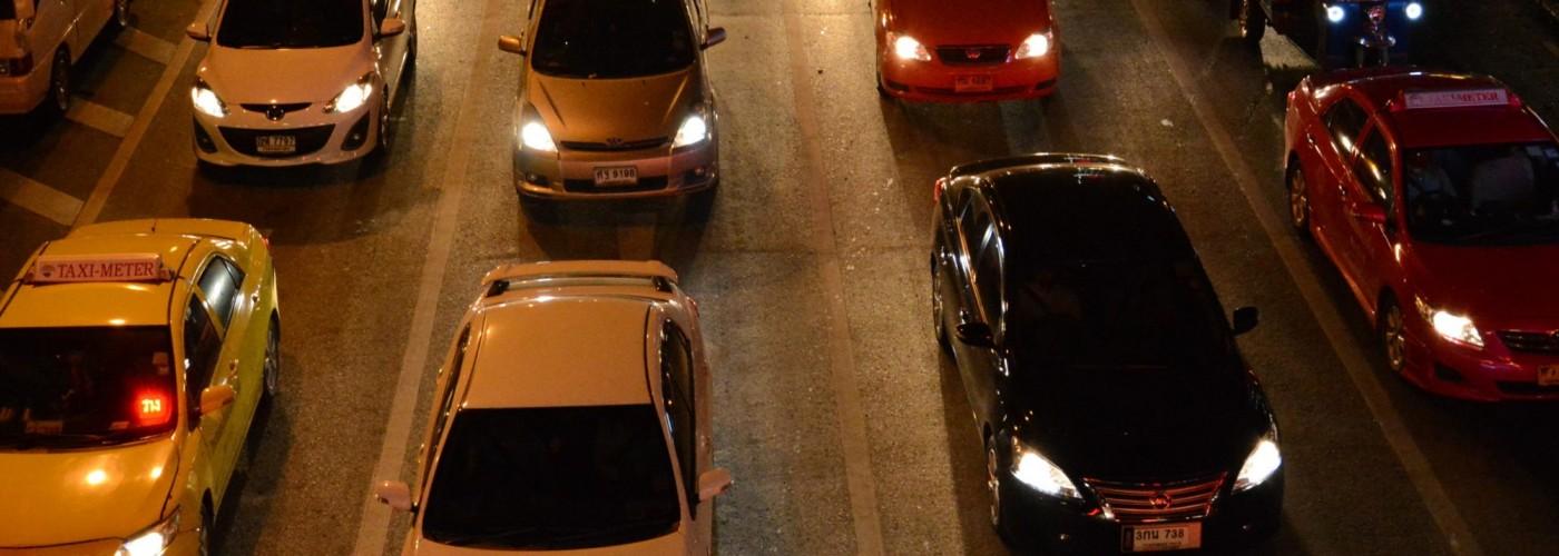 Официальные и негласные ПДД в Таиланде, парковки, цена на топливо