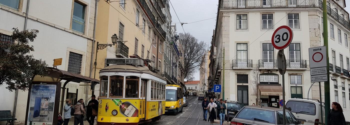 На автомобиле по Португалии.  ПДД, парковки, цена на топливо, платные дороги Португалии