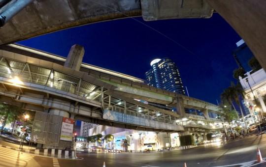 Шопинг в Бангкоке: самые большие торговые центры и рынки - изображение №1