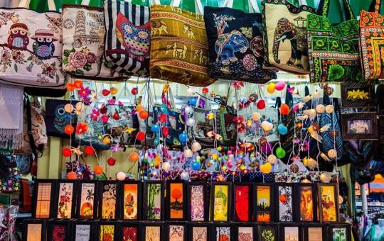 Шопинг на Пхукете: торговые центры, интересные магазины и рынки - изображение №1