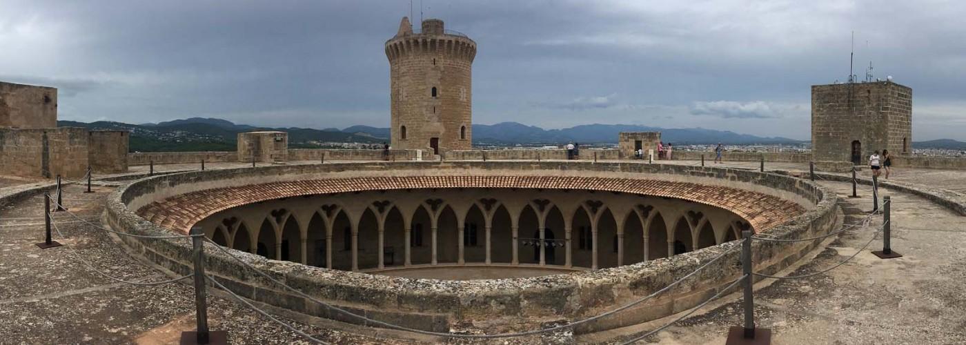 Замок Кастель де Бельвер, Майорка