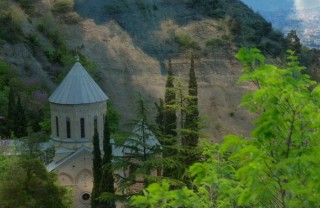 Гора Мтацминда Тбилиси: Пантеон и парк Бомбора