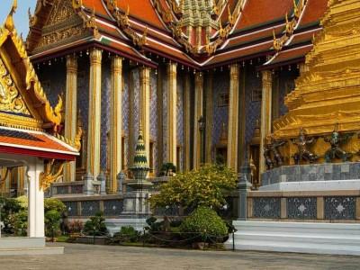 Большой дворец и Храм Изумрудного Будды