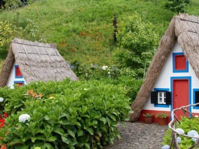 Тематический парк Мадейры и традиционные дома Сантаны