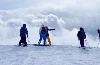 Гудаури: прокат снаряжения для лыжников и сноубордистов, цены