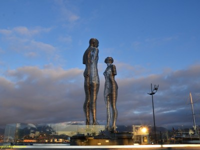 Скульптура Любви Али и Нино в Грузии