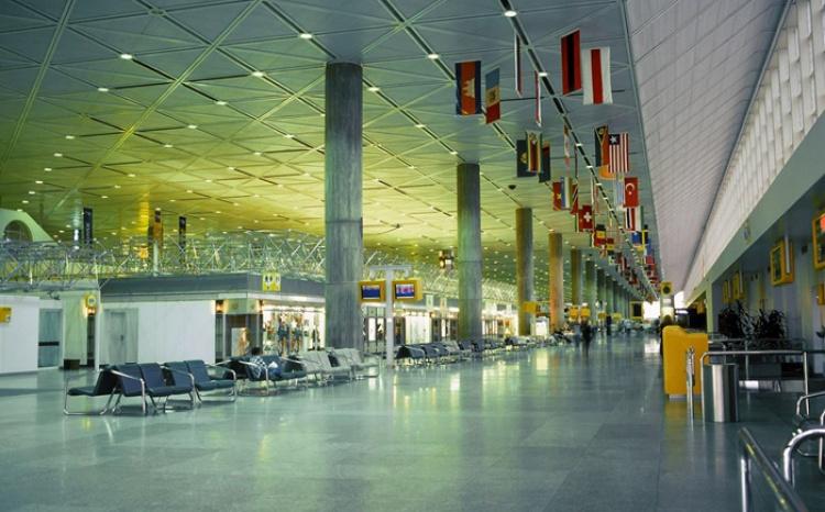 Аэропорт Мирабель в Монреале