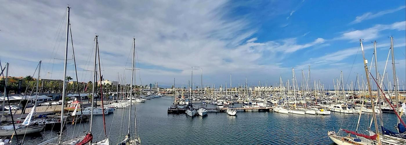 Порт Олимпик в Барселоне