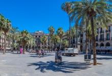 Королевская площадь Плаза Реал в Барселоне