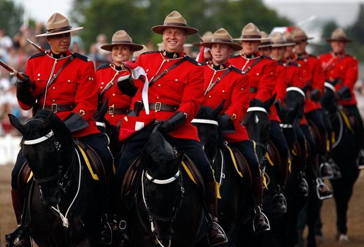 Канадская конная полиция