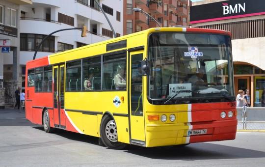 Автобусы, такси и паромы — транспорт на Ибице - изображение №1