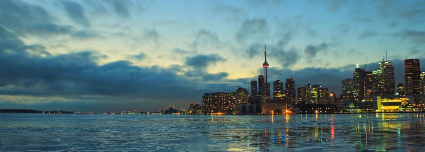 Погода, времена года и география Торонто