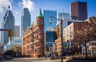 Флэтайрон-билдинг в Торонто