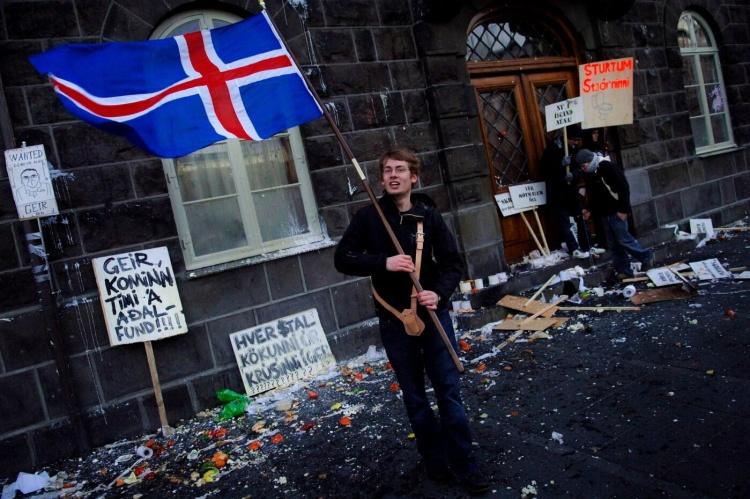 Протесты в Исландии