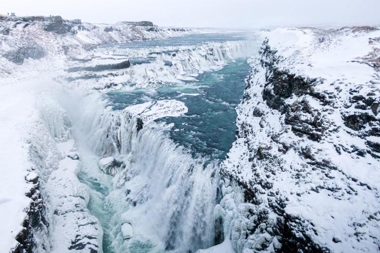 Водопад Гюдльфосс (Золотой водопад) в Исландии зимой