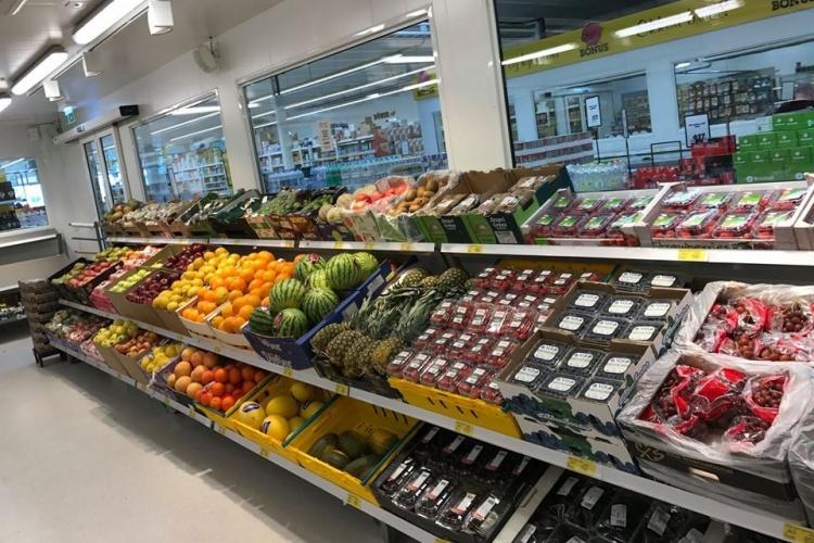 Фрукты в супермаркетах Исландии