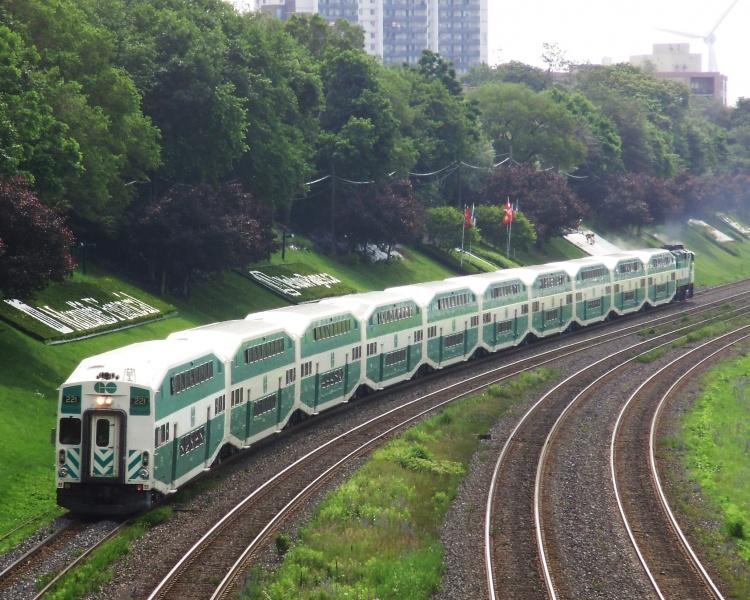 Приготородный поезд в Торонто