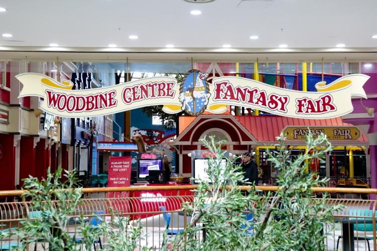 Woodbine Mall & Fantasy Fair в Торонто