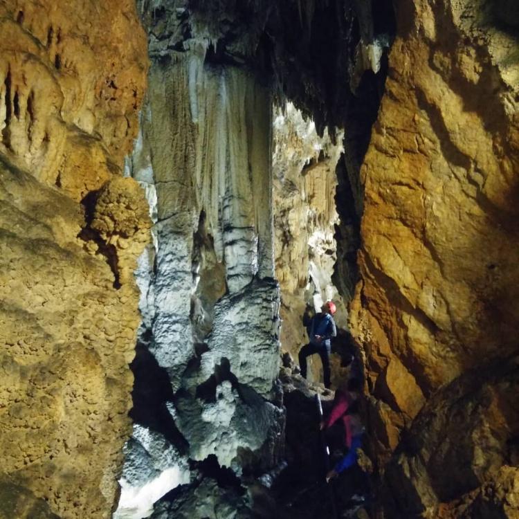 Пещера Бабий зуб, Словения