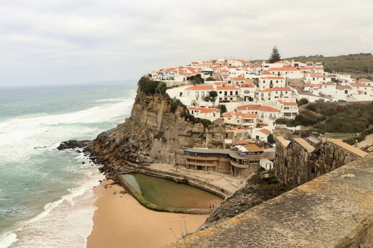 Пляж Азеньяш ду Мар, Португалия