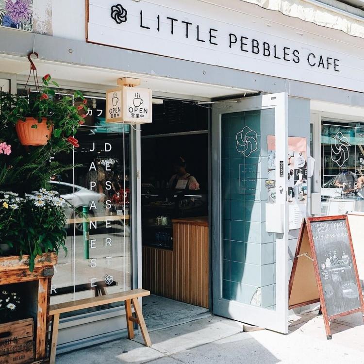Little Pebbles Cafe в Торонто