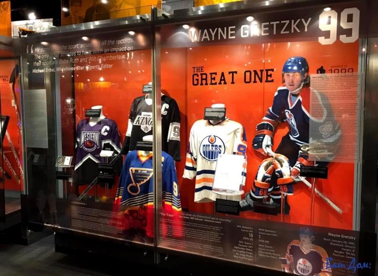 Зал хоккейной славы в Торонто