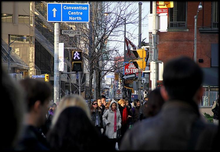 Люди в Торонто