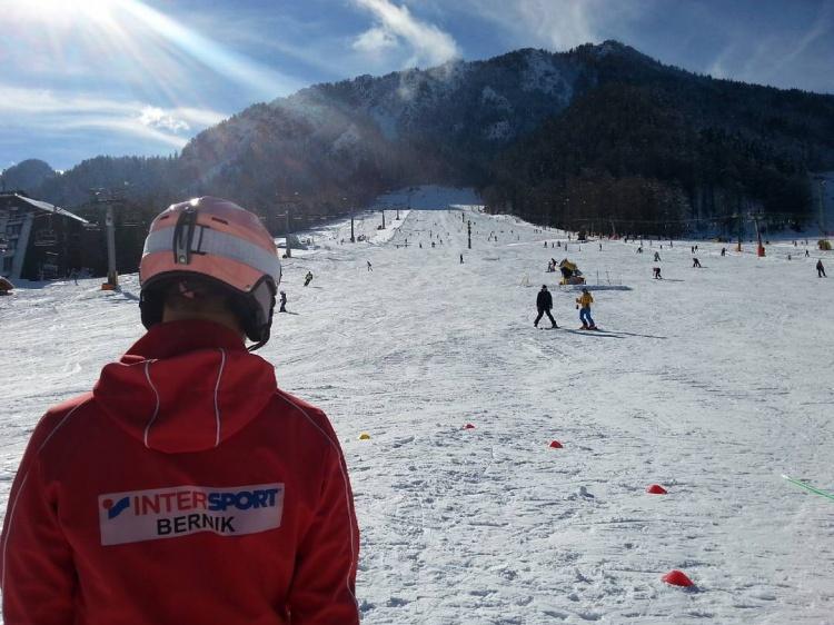 Уроки катания на лыжах и сноуборде в Краньска Гора