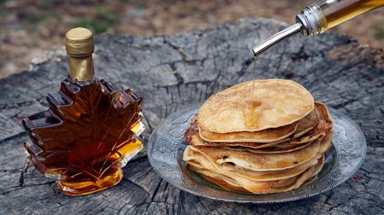 Традиционный канадский кленовый сироп