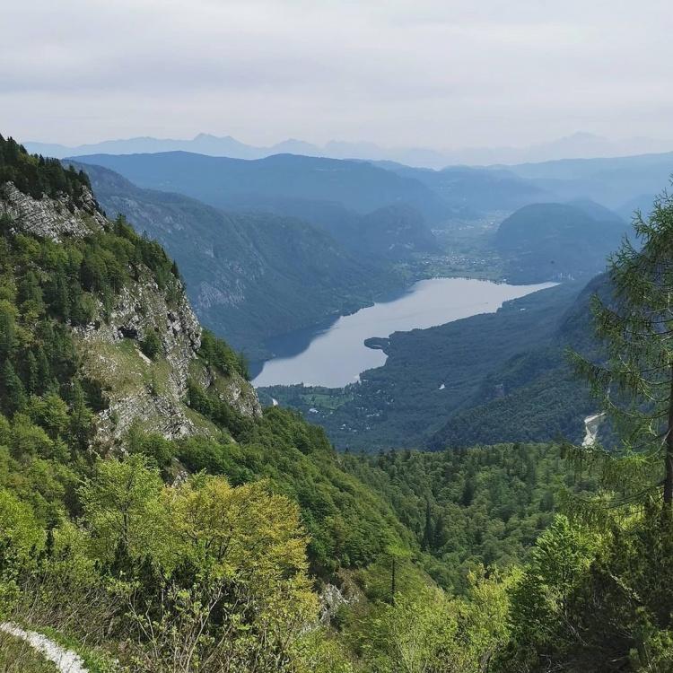 Парк Триглав, Словения, озеро Бохинь