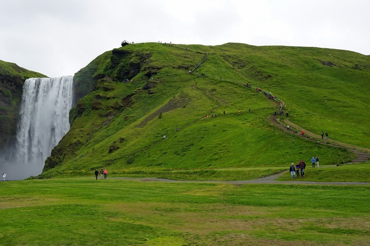 Водопад Скогафосс в Исландии