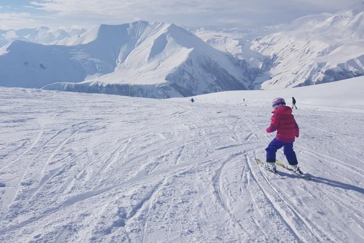 Зимние развлечения в Исландии с детьми